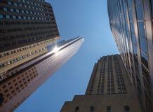 Высокие офисные здания подъема в центральном финансовом районе Стоковая Фотография