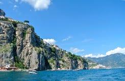 Высокие скалы и море Стоковое Фото