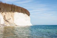 Высокие скалы мелка на побережье Ruegen Стоковые Изображения