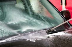 Высокий автомобиль cleanin воды давления Стоковая Фотография