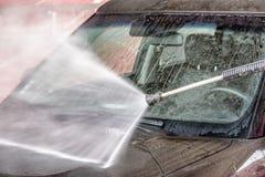 Высокий автомобиль cleanin воды давления Стоковые Фотографии RF