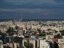Высокий взгляд городского пейзажа сумрака Бухареста Стоковая Фотография RF