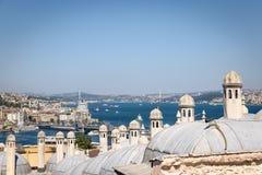 Высокий взгляд bosphorous моря и города Стамбула Стоковые Изображения RF