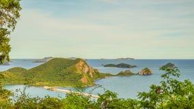 высокий взгляд scape и острова моря Стоковая Фотография