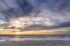 высокий заход солнца моря разрешения jpg Стоковые Фотографии RF