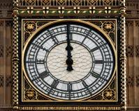 Высокий полдень на большом Бен, Лондон, Великобритании стоковая фотография rf