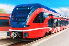 высокий самомоднейший поезд скорости Стоковое Фото