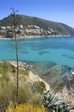 высокий среднеземноморской взгляд бирюзы моря moraira Стоковые Фотографии RF