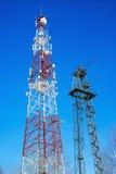 2 высоких башни с передавая антеннами Стоковое Изображение RF
