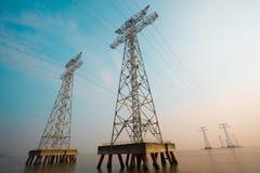 Высоковольтные башни передачи энергии Стоковые Фото