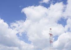 Высоковольтные столб или башня высокого напряжения Стоковые Изображения