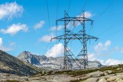 Высоковольтная опора на пропуске Gotthard (Швейцария) Стоковая Фотография