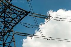 Высоковольтная опора энергии башни передачи электроэнергии Стоковая Фотография