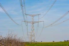 Высоковольтная электрическая линия Стоковые Изображения