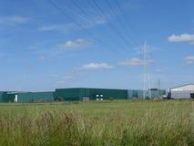 Высоковольтные кабели на конструкции башни Стоковые Фото