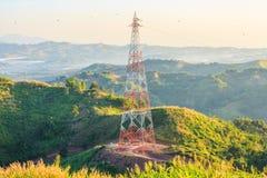 Высоковольтные стальная структура или башня высокого напряжения Стоковая Фотография RF