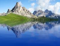 высокогорная гора озера Стоковое Фото