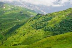 Высокогорная предпосылка landskape пиков Jungfrau, гористая местность Bernese Альп, туризм, путешествие, концепция стоковая фотография