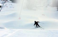 высокогорное катание на лыжах Стоковое Изображение