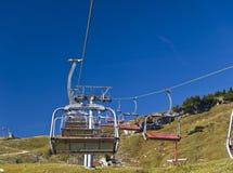 высокогорное лето лыжи курорта chairlifts Стоковое Изображение RF