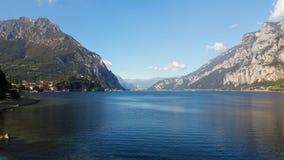Высокогорное озеро в северной Италии Стоковая Фотография