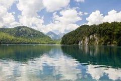 высокогорное озеро Ландшафт красивого озера в Альпах, Баварии, Германии Стоковые Фото