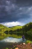 высокогорное озеро рыболовства Стоковая Фотография RF