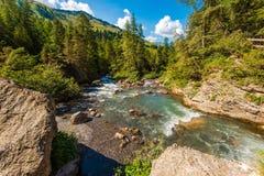 Высокогорное река в Швейцарии Стоковое Изображение