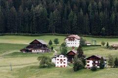 Высокогорное село. Ortisei в Val Gardena (Италия) стоковая фотография