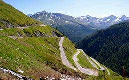высокогорное timmelsjoch дороги Италии Стоковые Изображения