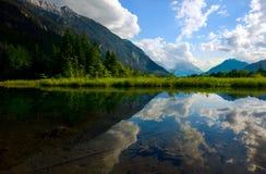 высокогорные горы озера Стоковые Фотографии RF