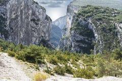 Высокогорный ландшафт в юговосточной Франции стоковые фото