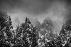 Высокогорный ландшафт зимы в Transylvanian Альпах стоковые фото