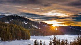 Высокогорный ландшафт на заходе солнца Стоковое Изображение RF