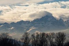 Высокогорный ландшафт - Monviso с снегом Стоковая Фотография