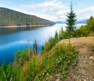 Высокогорный взгляд лета Vidra озера Стоковые Фотографии RF