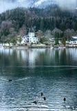 Высокогорный взгляд озера зимы Стоковые Изображения RF
