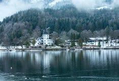Высокогорный взгляд озера зимы Стоковые Изображения