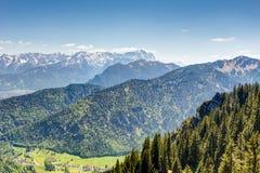 Высокогорный взгляд для того чтобы установить Zugspitze Стоковое Изображение