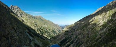 высокогорный ландшафт озера Стоковые Изображения RF