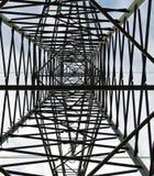 высокое напряжение тока опоры Стоковая Фотография