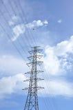 высокое напряжение тока столба стоковая фотография