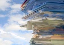 высокое небо обработки документов Стоковые Фотографии RF