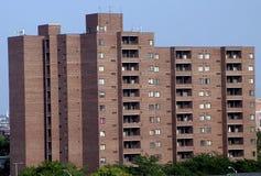 Высокое офисное здание подъема в Балтимор, Мэриленде стоковая фотография rf