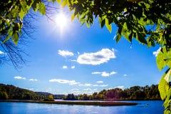 Высокое Солнце на Реке Connecticut Стоковые Изображения RF