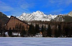 Высокое Tatras как осмотрено от мембраны долины стоковые фотографии rf