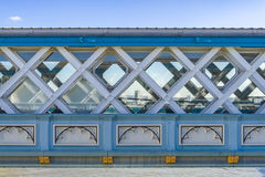 Высокопоставленная дорожка моста башни стоковое фото rf