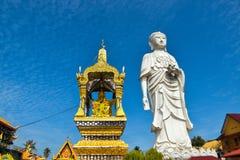 высокорослая статуя 100-foot стоящего Будды на виске Bachok kelantan Малайзии Phothikyan Phutthaktham Приняло фото 10 /2/2018 Стоковые Фотографии RF