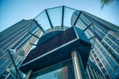 Высокорослые здания highrise в расположенном на окраине города charlotte около blumenthal perf Стоковая Фотография RF