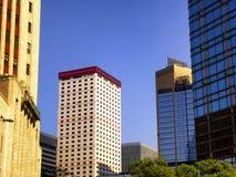 Высокорослый современный экстерьер стекла офисных зданий Стоковые Изображения
